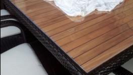 ein muss f r jeden haushalt die tischdecke aus pvc mit glas hnlicher optik pvc. Black Bedroom Furniture Sets. Home Design Ideas